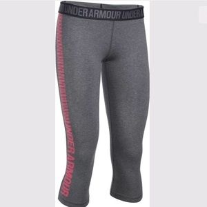 UnderArmour 1300179 Favorite Graphic Fitted Capri